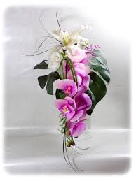 bouquet de fleurs roses blanches bouquet de mariée cascade orchidée lys rose et blanc bouquet de