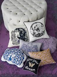 anna sui gives the teen bedroom the once over u2013 wwd