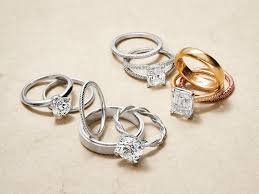 with wedding rings 11 ways to the wedding ring