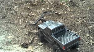 vaterra ascender jeep comanche pro scx10 comanche vs black momba snake youtube