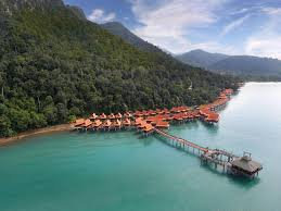 10 insane floating hotels in malaysia teleport to maldives minus