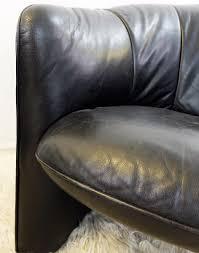 Black Leather Armchairs Pair Of Black Leather Armchairs Swann Lignes D U0027aujourd U0027hui
