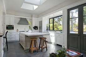 cuisine en ilot central ilot central cuisine conforama idées décoration intérieure