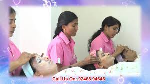 beauty parlour haircut in warangal apsaraas beauty parlour youtube