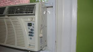 Window Ac With Heater How Do You Add Freon To A Window Air Conditioner Reference Com