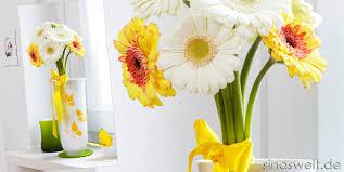 wohnideen zu basteln diy dekoidee vase mit schmetterlings motiven sina s welt