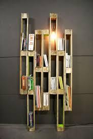 Bookshelves Diy by Best 10 Pallet Bookshelves Ideas On Pinterest Pallets Pallet