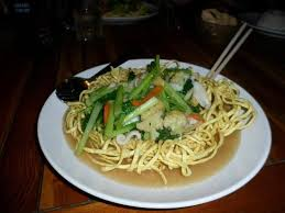 tami cuisine tami seafood fried noodles with squid prawns and vegetables