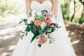 wedding flowers questions to ask 10 questions to ask when you re choosing your wedding florist