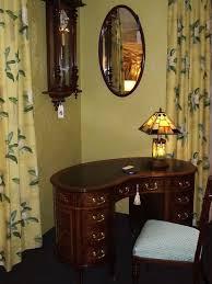 Kidney Shaped Writing Desk Superb Ladies Kidney Shaped Writing Desk 33288 Www