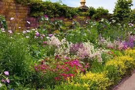 walled gardens on aboutbritain com