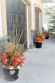 8 tips for a gorgeous fall outdoor floral arrangement