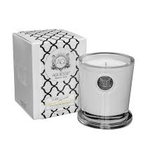 white ginger lily apothecary reed diffuser gift set