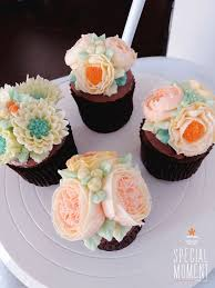 New Years Cupcake Decorating by 175 Best Flower Cupcake Images On Pinterest Flower Cupcakes