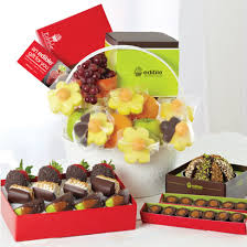 edible gift baskets edible arrangements fruit baskets kick up your pink heels tini