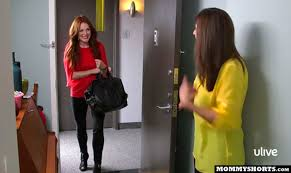 Julianne Moore Apartment - the one where mazzy plays store with julianne moore mommy shorts
