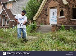 Trash House Detroit Michigan Members Of The Three Mile Block Club Cut Weeds