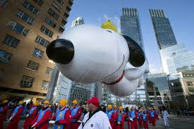 photos macy s thanksgiving day parade through the years 99 7