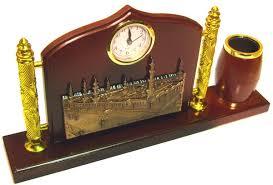 ensemble de bureau ensemble de bureau en bois avec montre et plaque dorée la meque