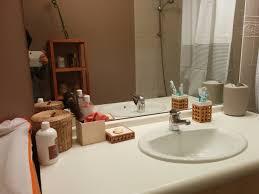 rangement accessoires cheveux avant après une salle de bain minimaliste la cabane de moe