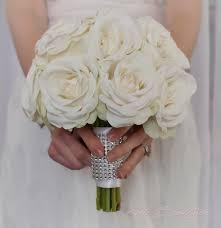 bouquet de fleurs roses blanches bouquet de mariée rose blanche avec poignée de strass