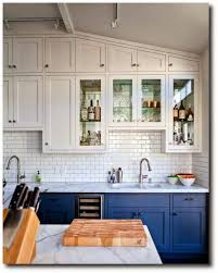 Mismatched Kitchen Cabinets Eye For Design Decorate Your Kitchen With Two Tone Cabinets