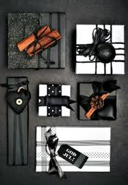 black gift wrapping paper fler paketinslagningstips wraps wrapping ideas and gift