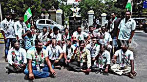 Seeking Opening Protest Held Seeking Opening Of Shri Ram Sugar Factory Newsdog