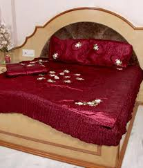 Throw Pillow Covers Online India Gayatri Trading Maroon Silk 1 Razai 1 Bed Cover U0026 2 Pillow Covers