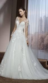 robe de mari e pr s du corps robe de mariée robe de mariage accessoires pour votre cérémonie