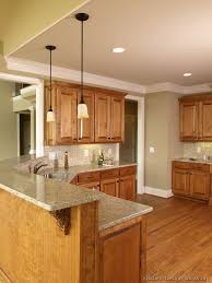 Kitchens With Light Cabinets Best 25 Brown Cabinets Kitchen Ideas On Pinterest Dark Brown