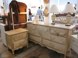 Antique Finish Bedroom Furniture by Antique Bedroom Sets Furniture Design And Home Decoration 2017