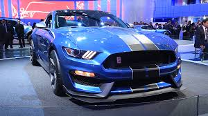 ford mustang gt350r adds a lot more than just a new letter w
