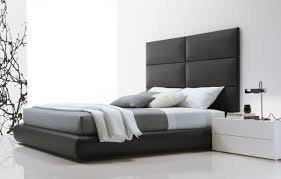 Minimalist Bedrooms by Minimalist Bedroom Design Ideas In Minimalist Bed How To Choose A