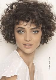 coupe de cheveux fris s coupe cheveux frisés courts femme avec bouclés coupe cheveux 2017