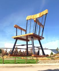 Big Rocking Chair In Texas You U0027ll Never Believe What This Tiny Town In Illinois Actually Did