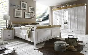schlafzimmer in weiãÿ massivholzmöbel schlafzimmer weiss gelaugt kiefer möbel massiv