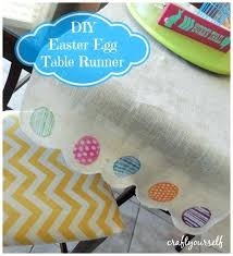 how to make burlap table runners for round tables diy burlap table runner with lace how to make burlap table runners