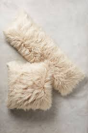White Fur Cushions 192 Best P I L L O W S Images On Pinterest Cushions Pillow