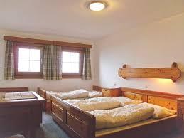 Schlafzimmer L Ten Bergbauernhaus Wildschönau Gruppenhaus Für 20 30 Personen