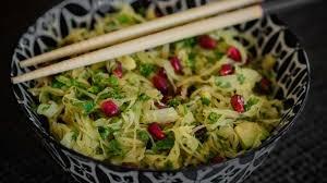 cuisiner la choucroute salade detox choucroute chou kale grenade et avocat je vais vous