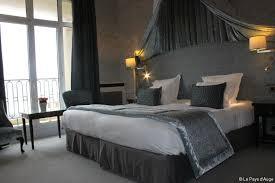 chambre hotel au mois l hôtel royal barrière rouvre ses portes après 5 mois de chantier