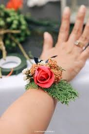 How To Make Corsages And Boutonnieres Corsage Boutonniere And Bouquet Making At Of Styling