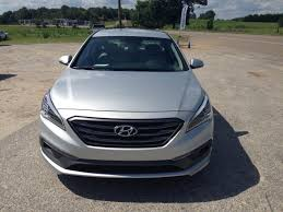 2015 hyundai sonata hybrid mpg 2015 hyundai sonata gets an upscale makeover adds tons of room