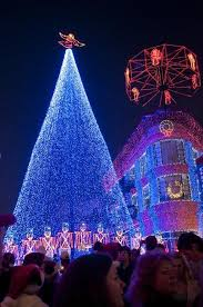 amazing outdoor christmas lights 40 pics