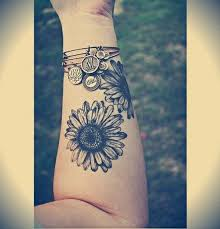 25 beautiful cool forearm tattoos ideas on pinterest cool henna