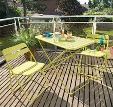 petit salon de jardin pour terrasse bien petit salon jardin pour balcon 14 fabriquer un lit cabane