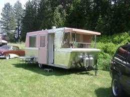 311 best vintage rvs images on pinterest vintage campers happy