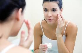 best face moisturizer for acne prone skin 2107 7 top picks u0026 reviews