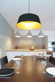 le suspension cuisine réalisation skéa designer blanc bleu jaune un appartement au